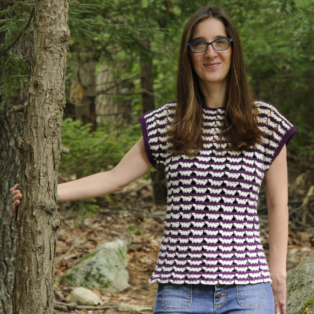Looking for a modern, creative crochet pattern for a top? This pattern from Crochet with Mary Beth is fun, quick, and stylish. This stitch pattern has a fun and easy rhythm.  Click through to see more pictures and a description on the blog.