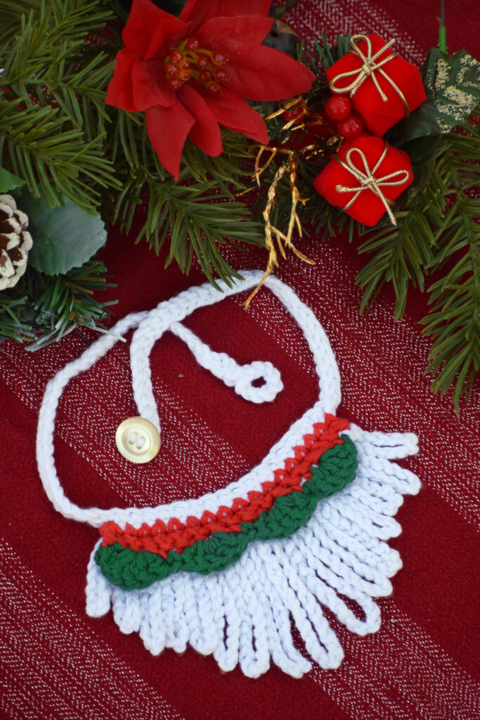 This version of the crochet necklace is perfect for Christmas.